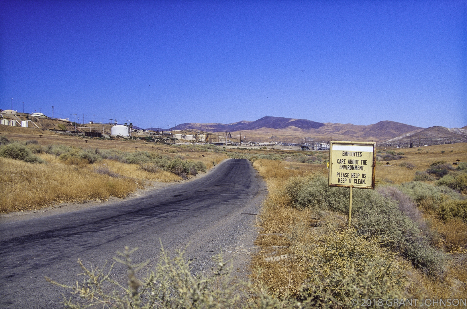 COALINGA OIL FIELD, COLINGA, CALIFORNIA